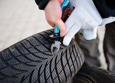 تعمیر به موقع لاستیک خودرو | AGU